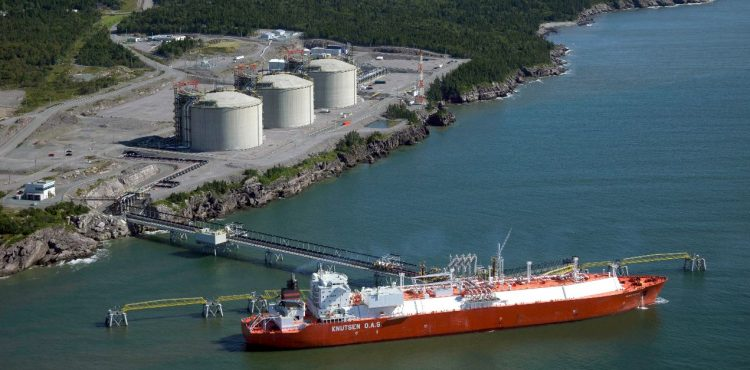 EGPC to Buy 202,000 Tons of LNG