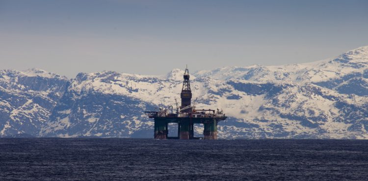 Russia's Gazprom Neft Recorded Arctic Oil Output Rise in 2015