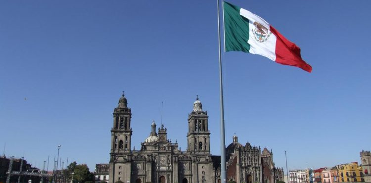 Drop in Oil Prices Causes Mexico to Cut Spending