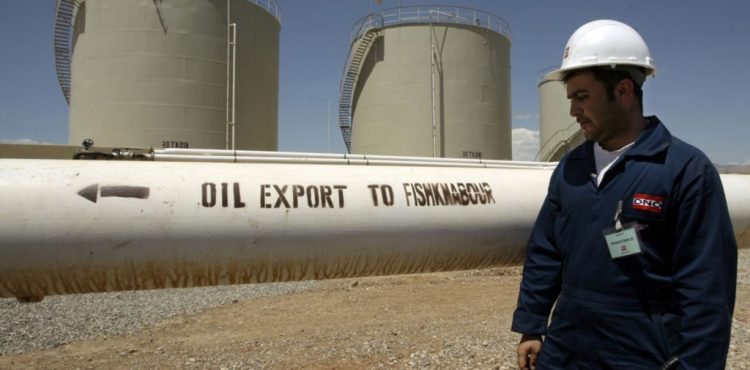 Iraq Reviewing Foreign Oil Contracts to Up State Share in Production