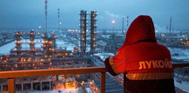 Payrolls, Hiring Expand in Middle East Despite Global Oil Slump