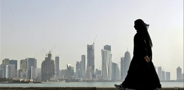 Qatar Petroleum Lays Off Workers, Scraps Insurance, Catering, Service Companies