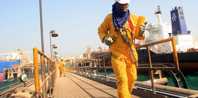 Oil Minister: Iraq is in Compliance with Production-Cut Agreement