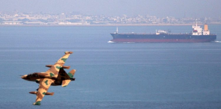Iran to Build Rigs, Trade Technology with Russian Shipbuilder