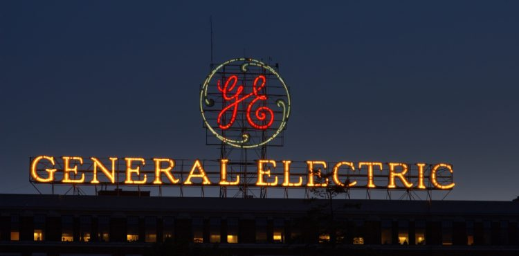 GE Offers Nigeria Investment in Refineries