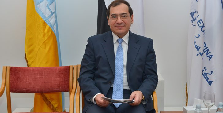 Egypt Borrows Dollars to Pay International Oil Firms
