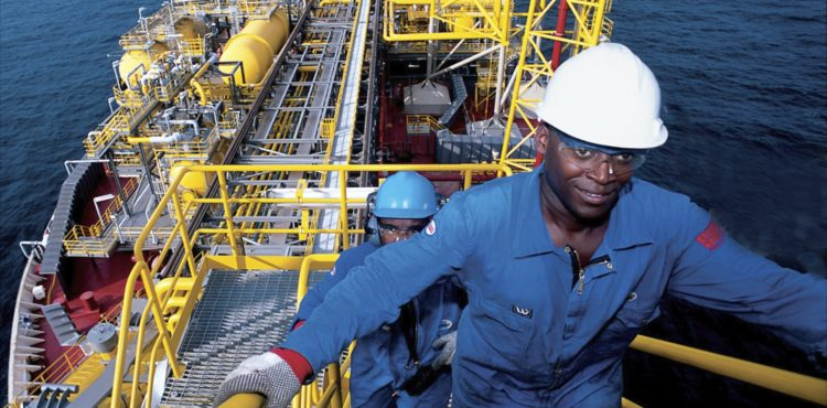 Angolan Oil Sector Faces Tough Choices in Low Price Environment