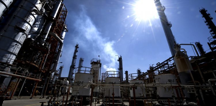 UAE, SNC-Lavalin Agree Refinery Contract