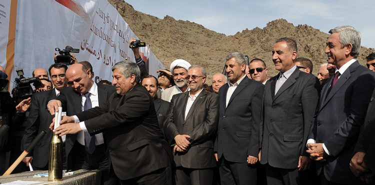 Iran, Armenia Expanding Gas and Electricity Exchanges
