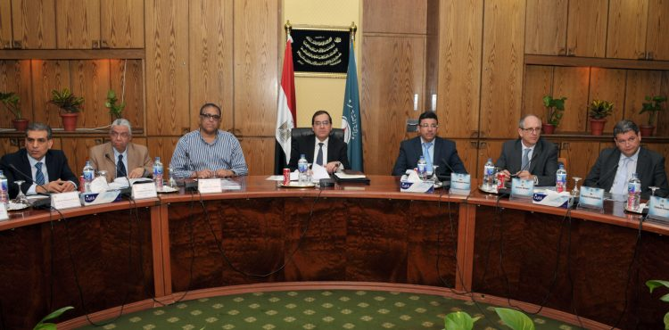 Oil Minister Follows Up on Development of Zohr Field