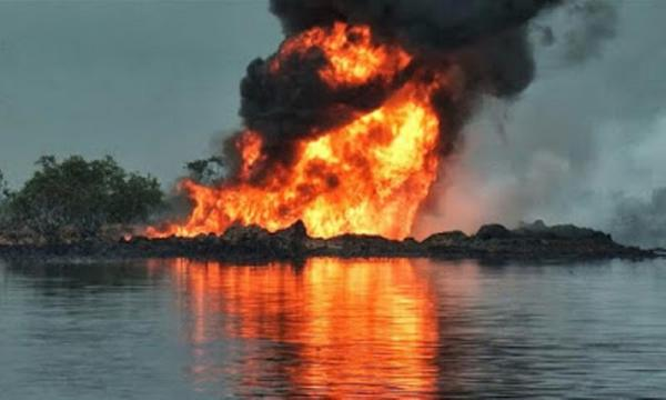 Nigerian Militants Blast Shell Oil Pipeline