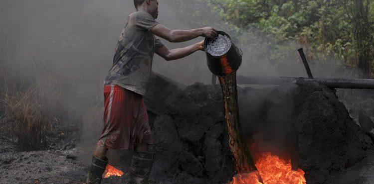 Nigeria to Legalize Illegal Oil Refineries