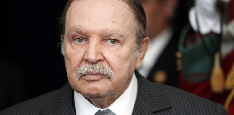 Bouteflika to Free Economy from Oil, Gas Dependence