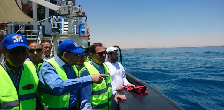 El Molla Visits Sumed's LNG Platform
