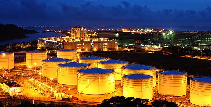 Saudi Arabia, Russia Push Extension of Production Cuts