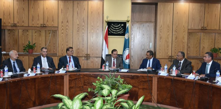 El Molla Urges Redoubled Effort in Atoll Field