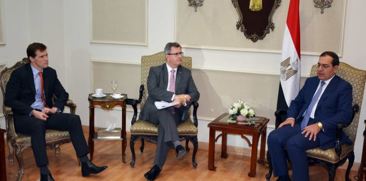 Egypt, UK Discuss Cooperation in Oil & Gas Sector