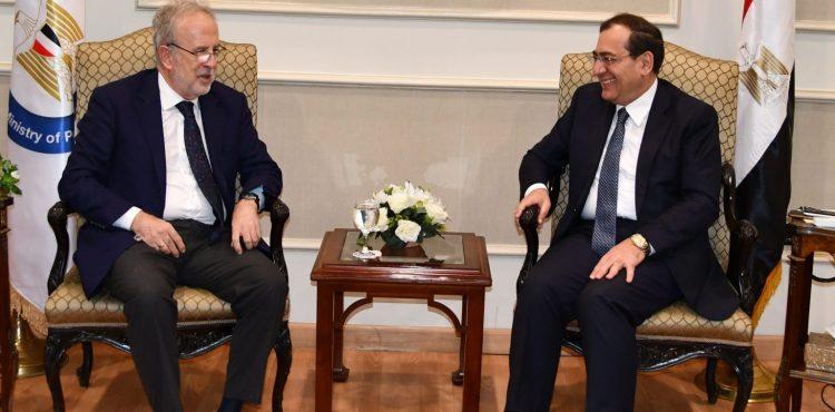 El Molla Discusses Economic Cooperation with Spanish Ambassador