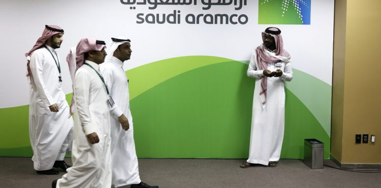 Aramco May Cut Asia-Bound Crude Prices