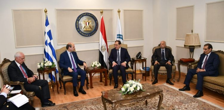 Egypt Discusses Bilateral Cooperation with Greece