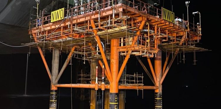 Enppi Installs a Production Platform for Petrosalam