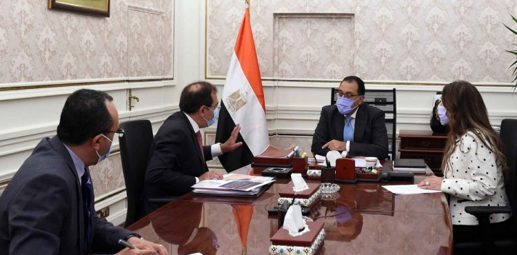 Madbouli Reviews Strategic Petroleum Reserves, Ongoing Projects