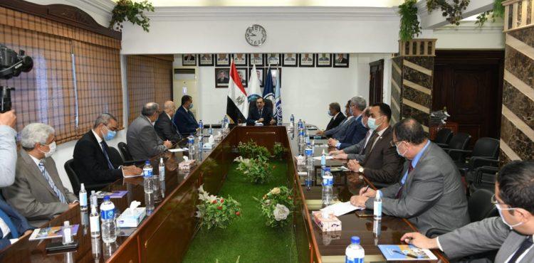El Molla Urges Raising Mostorod Region's Efficiency