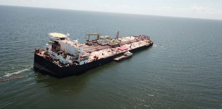 PDVSA to Offload Crude from Floating Oil Facility