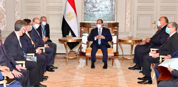 Al-Sisi Discusses Energy Cooperation with Greek Minster