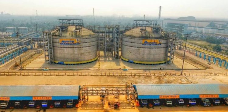 BPCL to Acquire OQ Stake in Indian Refinery